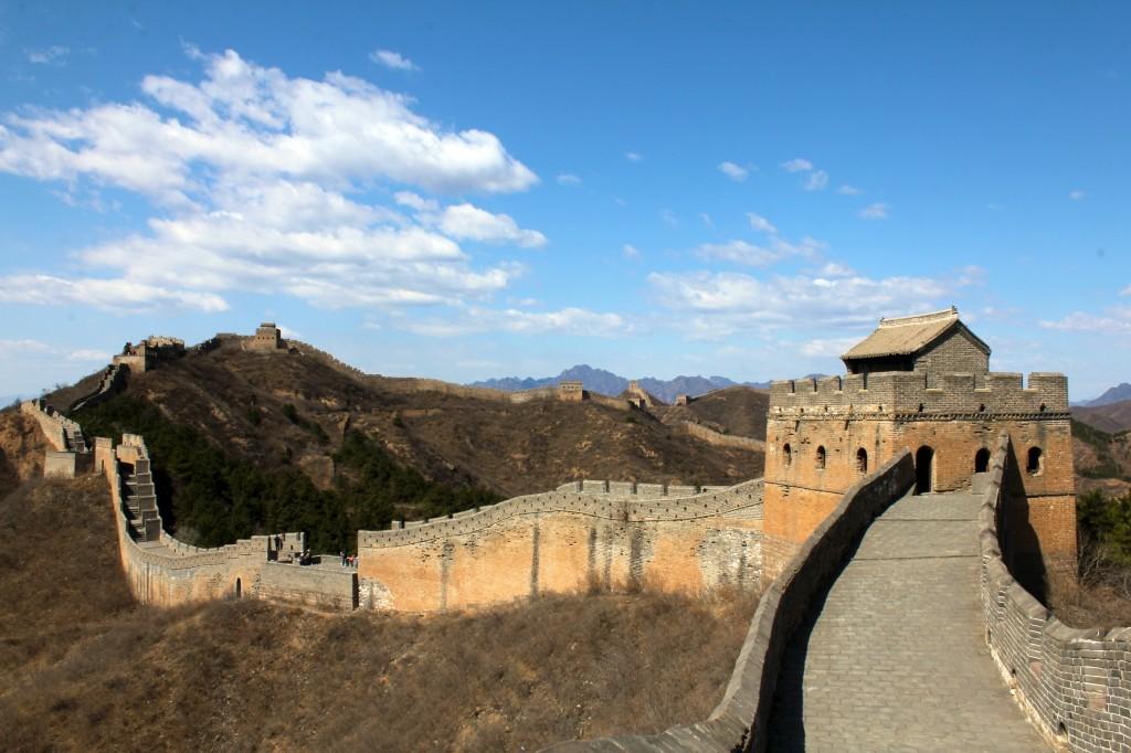 Un muraille toute restaurée moins sauvage à Jinshanling