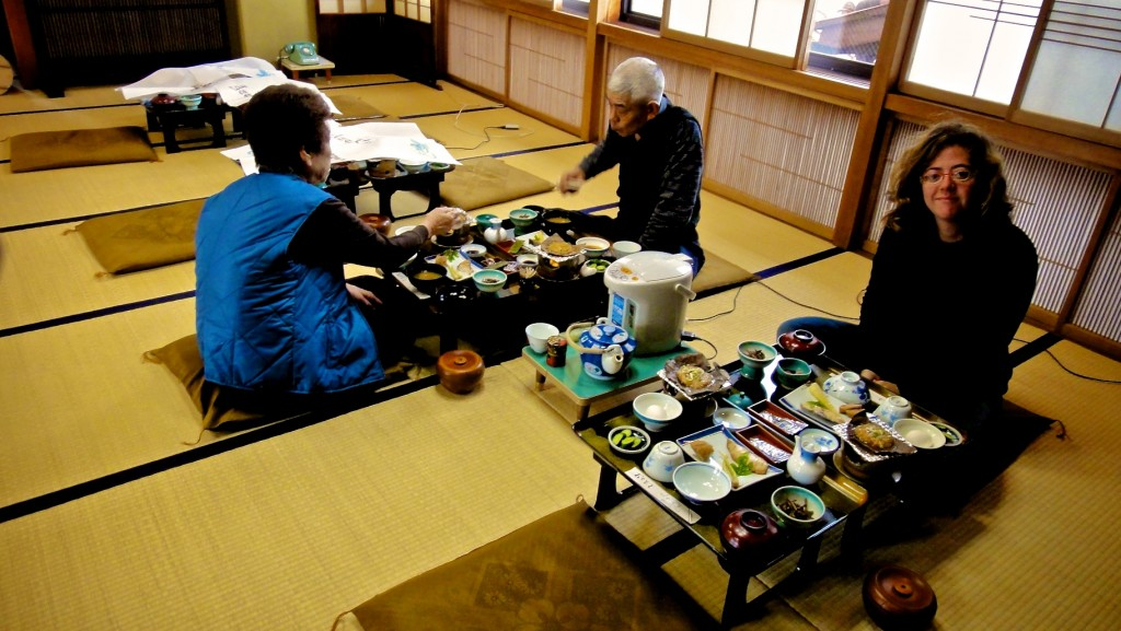 Petit déjeuner traditionnel dans un ryokan