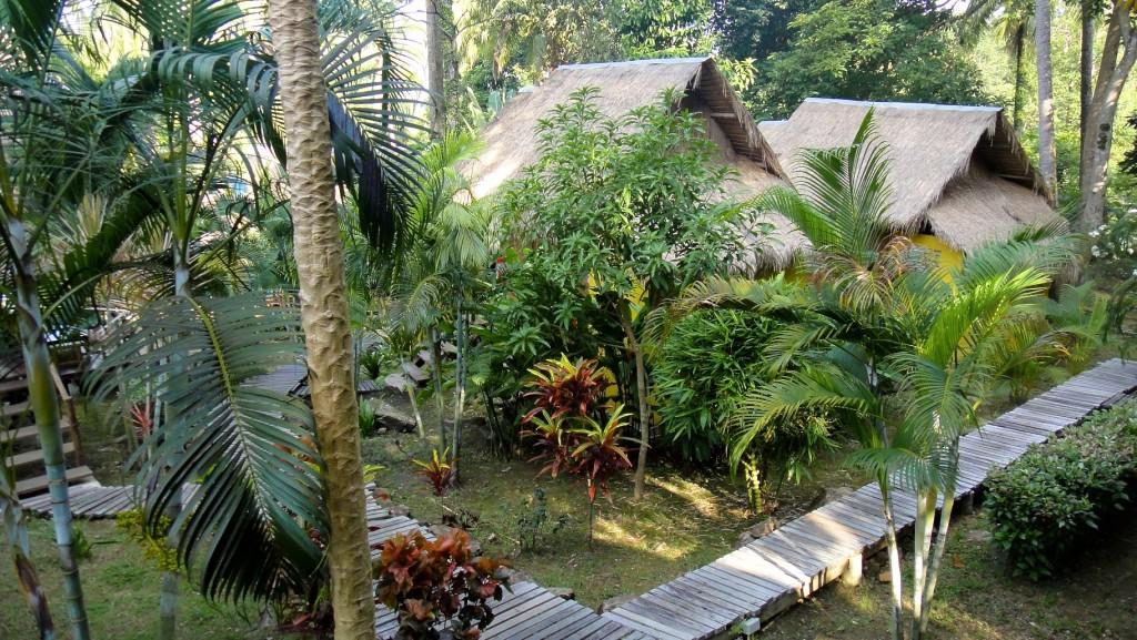 Bungalows dans le jardin de Little Eden près de Lonely Beach