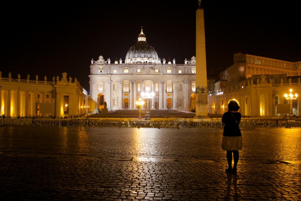 Pensées évasives devant l'empire du Vatican