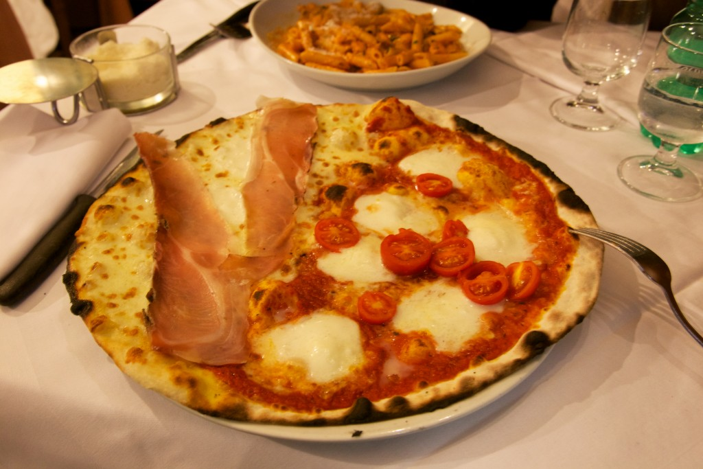 Pizza romaine cuite au feu de bois