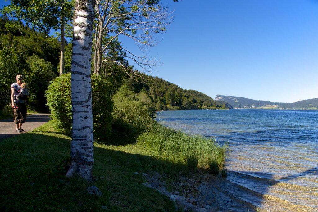 Balade le long du lac de Joux dans le canton de Vaud en Suisse